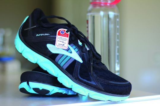 LIFESTYLE ECI TAG ON SHOES